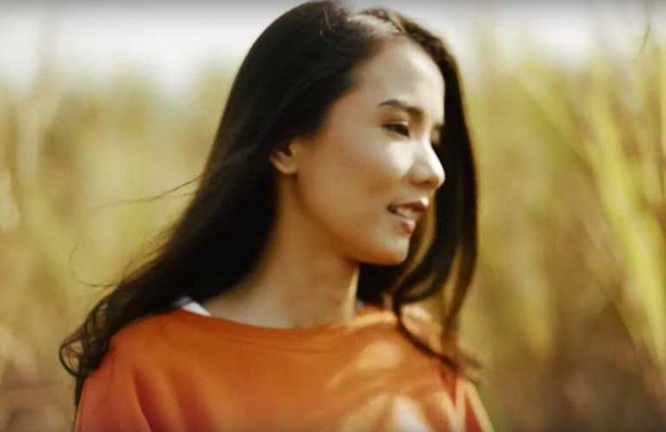 Nadya Fatira dalam Klip 'Bersaudara' | Gambar: Tangkapan layar YouTube NF Music