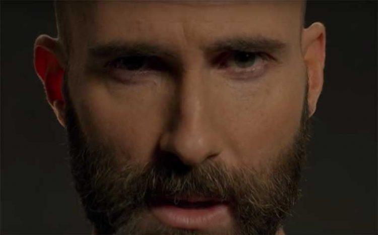 Adam Levine (Maroon 5) dalam klip 'Memories'   Youtube.com