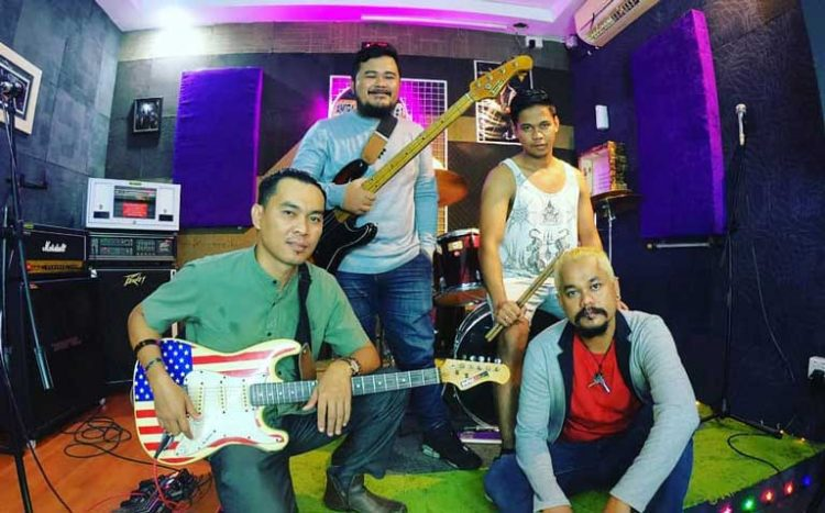 Personil Kufaku Band (Facebook)